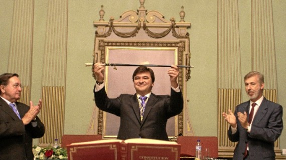 Queda constituida la corporación municipal de Huelva con Gabriel Cruz al frente