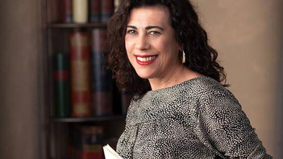 María Luisa Domínguez presenta en Moguer el poemario 'No pongas nombre al olvido'