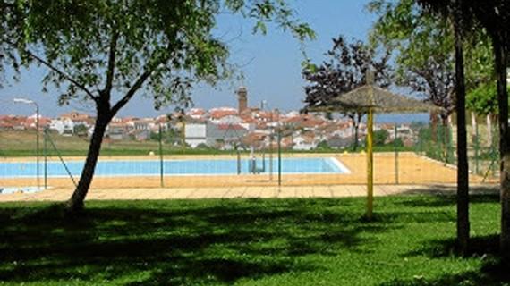 La Piscina Municipal de Zalamea inaugura temporada con tres días de acceso gratuitos
