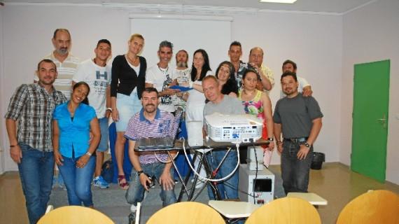 Rafael Adamuz presenta 'La Memoria Varada' en el Club de Lectura del Centro Penitenciario de Huelva