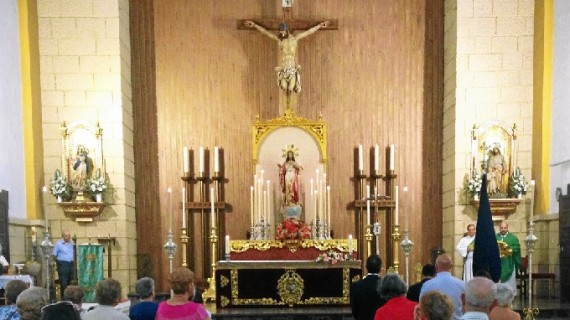 La Victoria despide el curso cofrade con los cultos al Sagrado Corazón de Jesús y la II velá en su honor