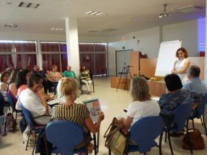 Una de las sesiones de la escuela para pacientes.