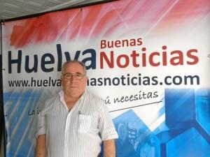 El ingeniero onubense Juan Domínguez en la sede de Huelva Buenas Noticias.