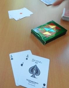 Juan también crea juegos de magia por encargo.