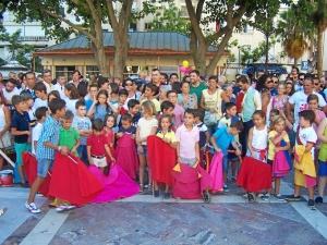 Los niños participaron en el acto.