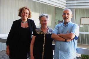 La vicerrectora del Campus, Yolanda Pelayo, junto con Nagwa Mehrez, presidenta de la Asociación de Hispanistas Árabes y Saïd Sabia, director del curso.