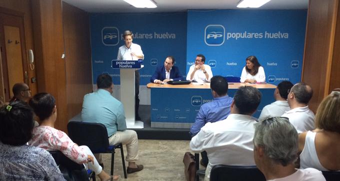 Rueda de prensa en la sede del PP.
