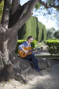 Romero ha pretendido hacer un álbum sobre todo flamenco, lejos de fusiones con otras músicas.
