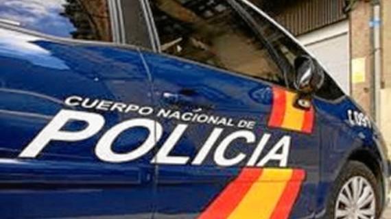 La Policía Nacional detiene al autor de un robo de dinero en efectivo y equipos informáticos