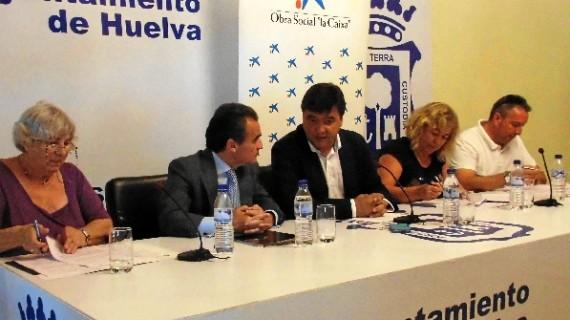 Alrededor de 2.000 onubenses con discapacidad podrán beneficiarse de la firma de tres convenios sociales