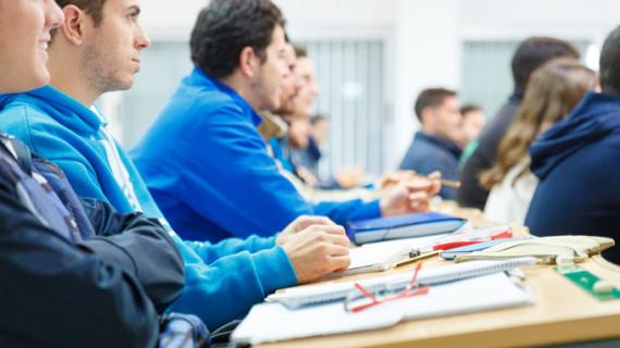 El Programa Matrícula de la UHU permite este curso a 125 alumnos continuar con sus estudios