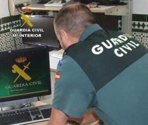 La Guardia Civil ha conseguido recuperar el bolso robado.