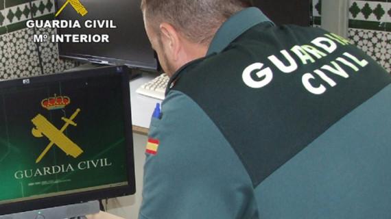 La Guardia Civil detiene a una mujer acusada del robo de un bolso en Isla Cristina