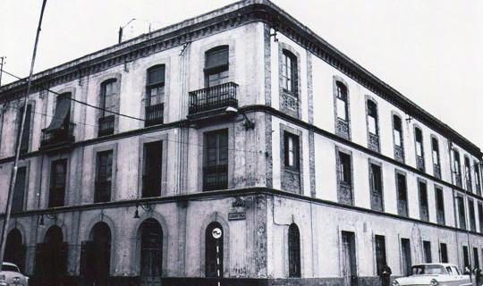 XV. El Teatro