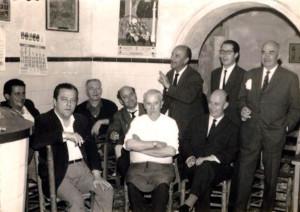 Tertulia del Bar Casa Carmelo. / Imagen cedida por Diego Lopa.