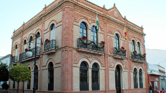 El Ayuntamiento de San Juan del Puerto decreta dos días de luto oficial por el fallecido en el accidente de avioneta
