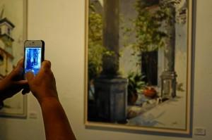 Las obras muestran a los asistentes la forma de cada pintor de captar esa luz característica.