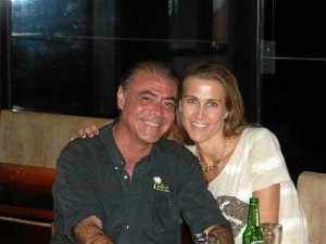 Javier, junto a Marta, protagonista que da nombre a la novela.