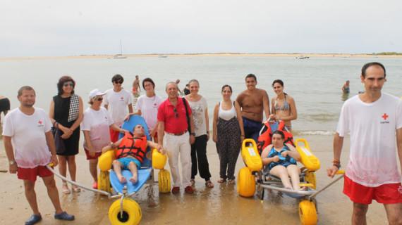 Un centenar de onubenses se beneficia del programa 'Un baño sin barreras'