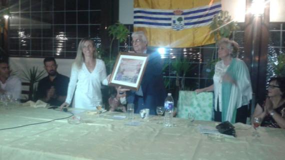 El periódico 'La Higuerita' recibe el reconocimiento como Isleño del Año