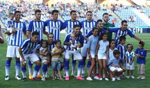 En el primer once del Recre en la temporada 2015-16, cinco jugadores de Huelva. / Foto: Josele Ruiz.