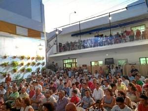 Lleno en el patio de la entidad durante la presentación del  LI edición del Trofeo Colombino.