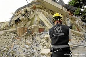 Bomberos onubenses acuden a Ecuador con motivo del terremoto. / Imagen de archivo.