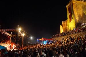 El castillo de Sancho IV El Bravo, lleno hasta la bandera