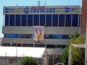 Una etapa que podríamos afirmar que finalizó en los años noventa, con la instalación de Hipercor en Huelva.