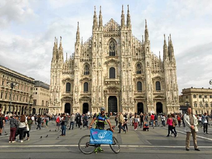 Beltrán en la catedral de Milan, su meta.