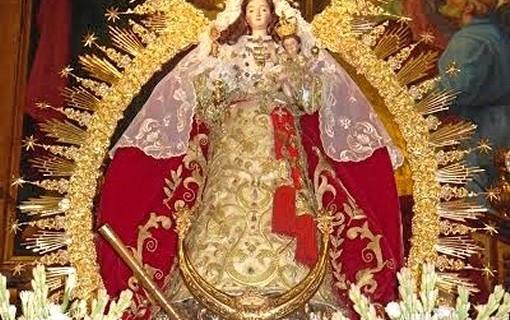 Moguer aguarda el momento de la procesión de su patrona, la Virgen de Montemayor