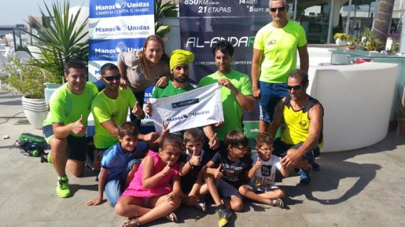 Llega a Huelva el deportista que recorre la costa andaluza recaudando fondos para un colegio en Etiopía