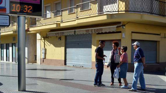 Punta Umbría instala aceras táctiles para favorecer el desplazamiento de personas con deficiencia visual