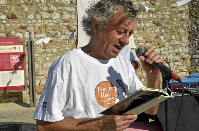Eladio Orta durante la presentación de la obra.