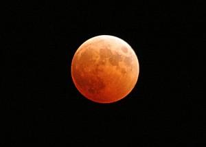 El eclipse total se producirá entre las 4.11 de la madrugada del día 28 y las 5.23. /Foto: ca.wikipedia.org