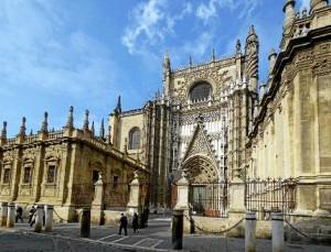 Durante sus estudios pudo realizar labores de conservación en la Catedral de Sevilla. / Foto: tripavisor.