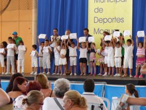 Los más pequeños recibieron sus diplomas.