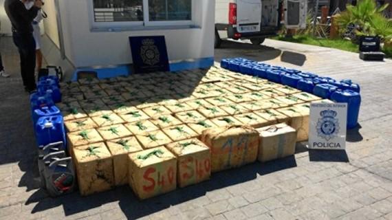 La Policía intercepta una furgoneta cargada con casi tres toneladas de hachís en Huelva