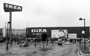 El gigante sueco comenzó la temporada en Huelva con una fuerte inversión inicial en catálogos de papel./ Foto: Ikea oficial.