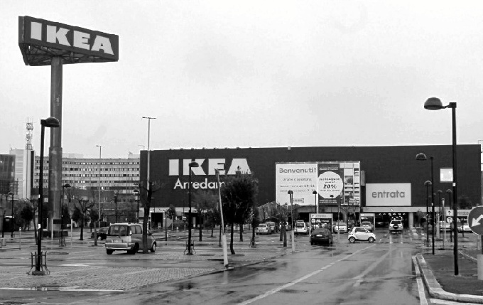 El gigante sueco comenzó la temporada en Huelva con una fuerte inversión inicial en catálogos de papel.