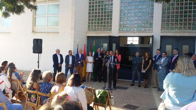 Intervención del alcalde de Aroche durante la inauguración.