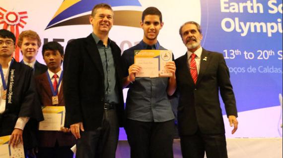 El joven lepero Jonatan Romero Matos, Medalla de Bronce en la Olimpiada Internacional de Ciencias de la Tierra