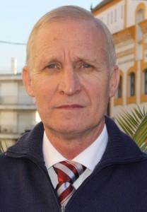 Mario de J. Pérez Jiménez, Catedrático  del Departamento de Ciencias de la Computación e Inteligencia Articial de la Universidad de Sevilla.