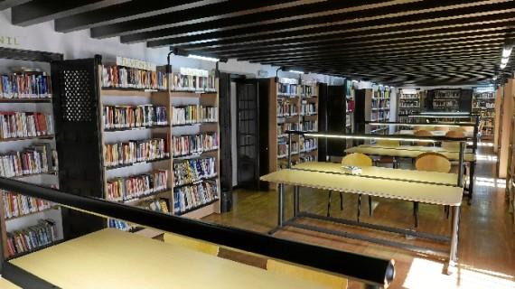 La Biblioteca Municipal de Ayamonte recibe el Premio 'María Moliner'