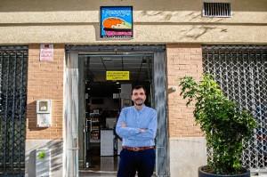 Al profesor le ha gustado mucho la ciudad de Huelva. / Foto: Cinta García.