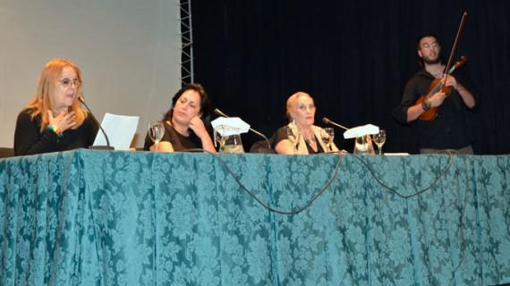 La Casa Grande de Ayamonte acoge la presentación del poemario de Joaquina Vázquez