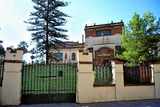 Suscrito el convenio para que el antiguo Colegio de Ferroviarios se convierta en una comunidad de viviendas colaborativas para mayores
