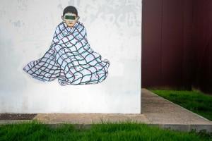 Obra 'Niño Manta, en  rotonda Avenida Adolfo Suárez. /Foto:  Luis Martínez Conde.