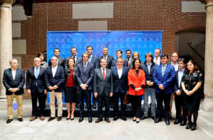 Primera junta de gobierno de la FEMP.