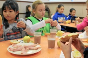 Diez centros escolares han participado en el inicio de la campaña. /Foto: www.corazonvivo.com